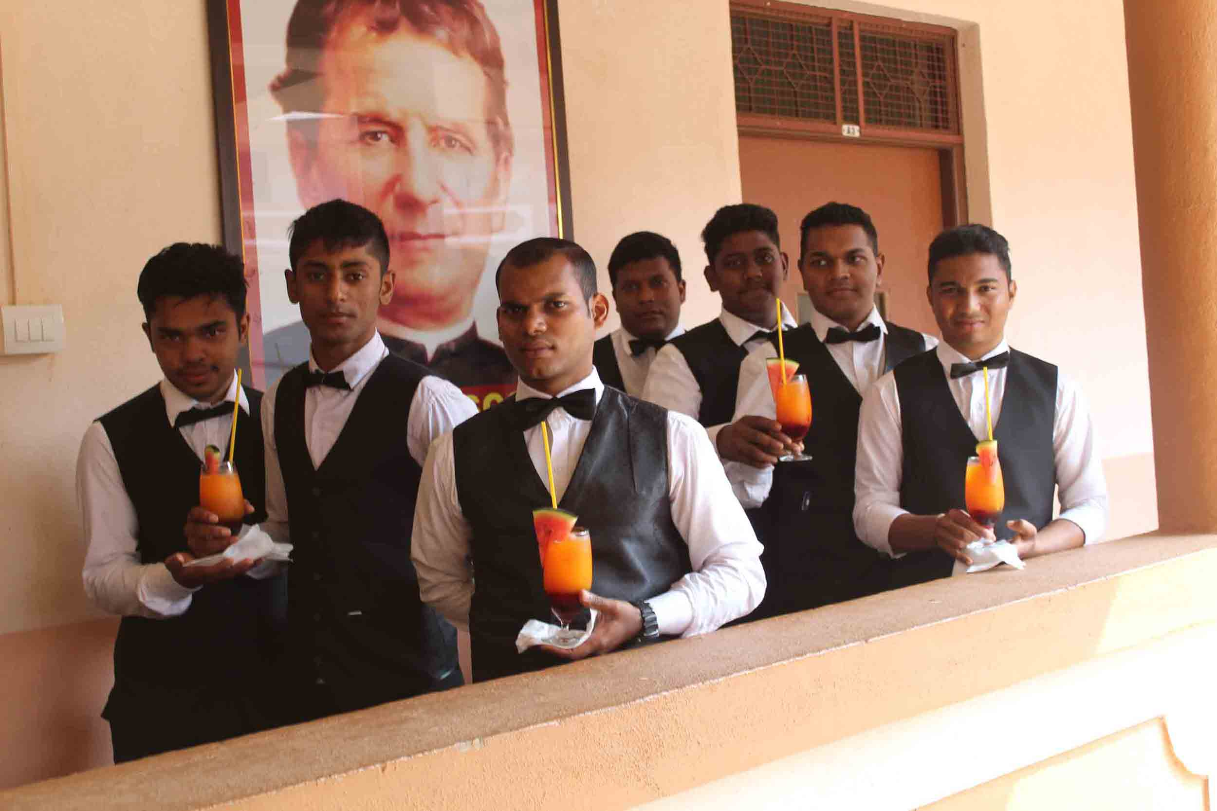 They will be  capable of handling all the mix & match required to make a particular type of drink whether at  the restaurant or at home, giving the family and guests a restaurant feeling.